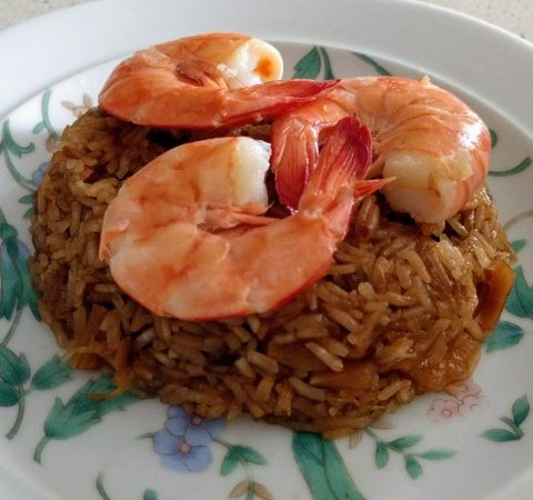 fried glutinous rice with steamed prawns